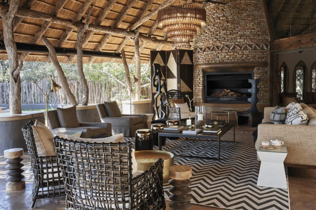 Singita-Pamushana-Lodge-Lounge-Area_resized